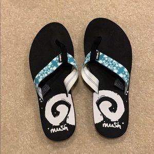Teva flip flops size 9